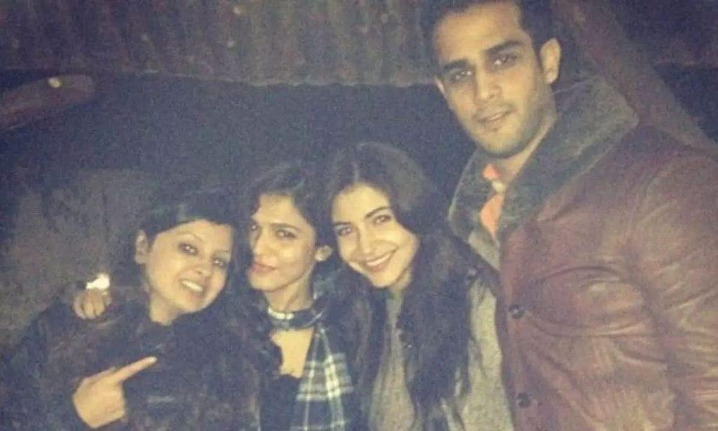 Sakshi Dhoni with Anushka Sharma and Friends