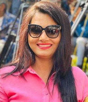Chitra Tripathi Biography