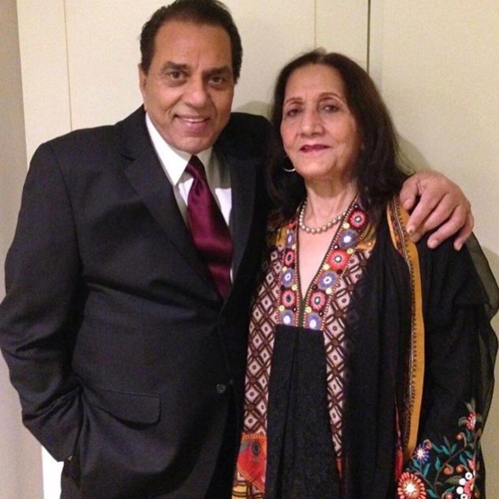 Dharmendra with Prakash Kaur