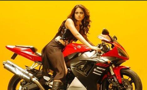 Anushka Shetty in Super (2005)