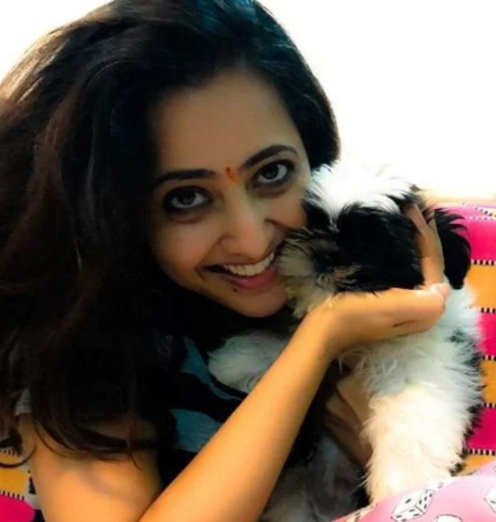 Lasya Manjunath with her pet dog