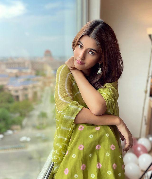 Anahita Bhooshan Biography