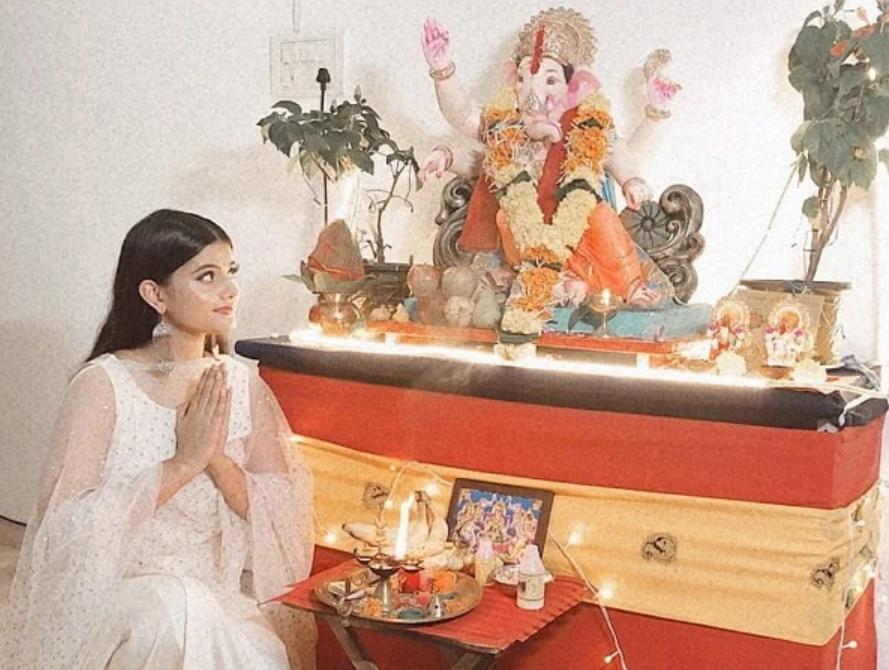 Anahita Bhooshan Follower of Ganesha