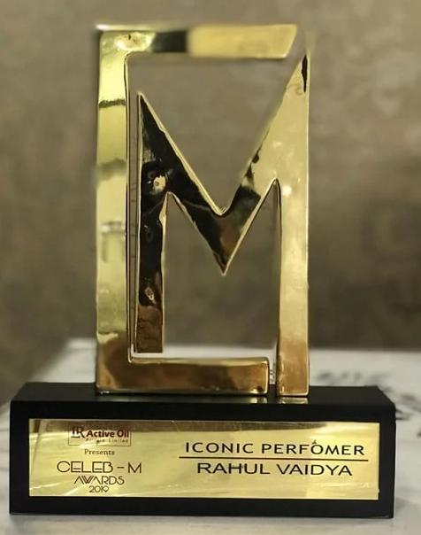 Iconic Perormer award 2019 by Celeb-M Awards