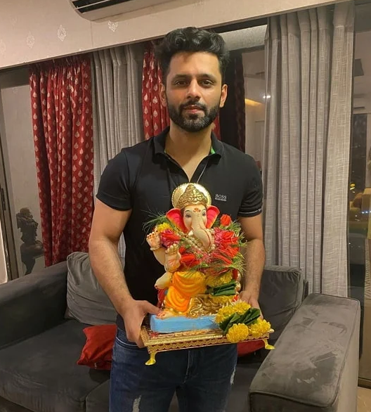 Rahul Vaidya follower of Ganesha