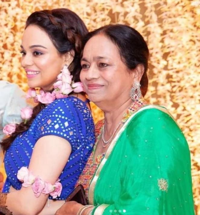 Ripci Bhatia Mother