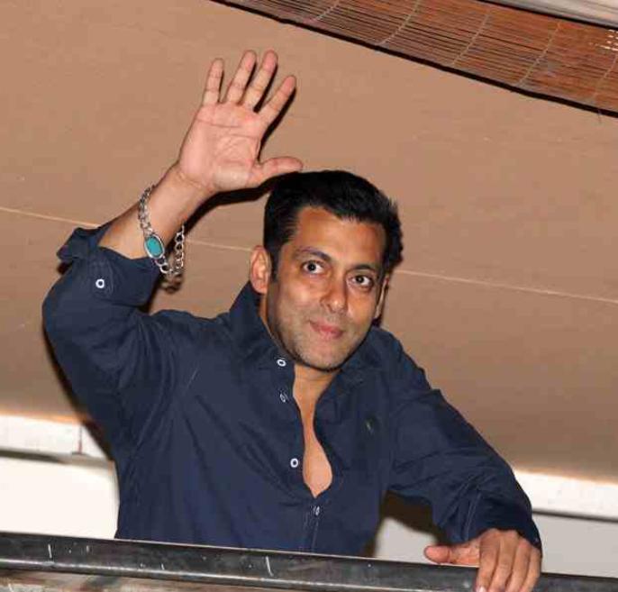 Salman Khan wearing a lcuky gemstone