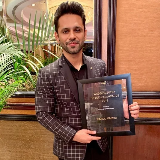 Top Live Entertainer award 2019 by Weddingsutra Infulencer Awards